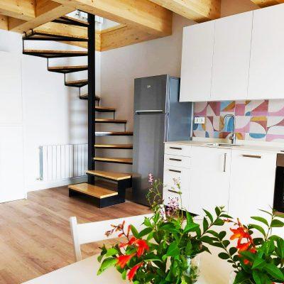 foto cocina escaleras